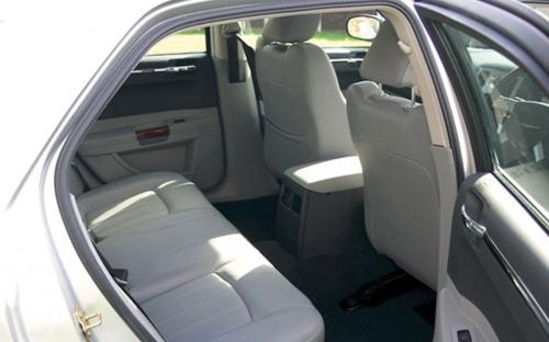 Chrysler 300C - wedding car hire wakefield